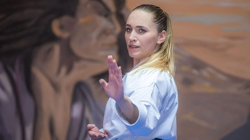 Sophie Wachter - Karate Kata Shotokan Weltmeisterin